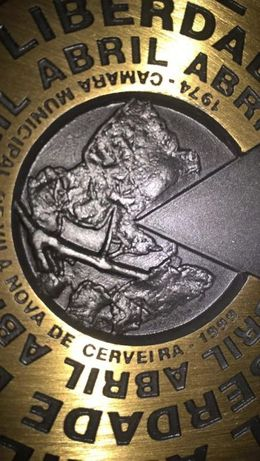 José Rodrigues - Medalha Comemorativa 25 de Abril (1999) Raríssima