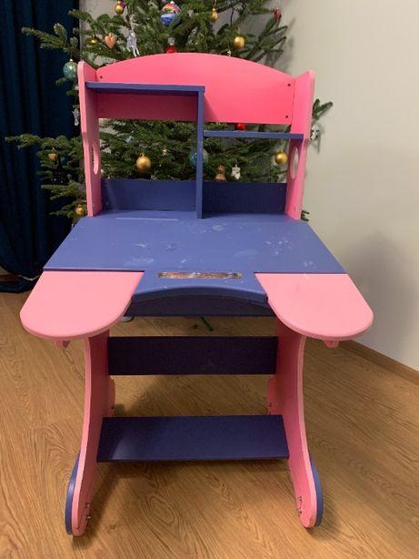 парта , письменный стол для девочки Goodwin
