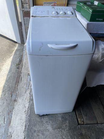 Стиральная машина indesit WITL106 Загрузка белья вертикальная 5 кг