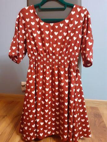 Piękna czerwona sukienka