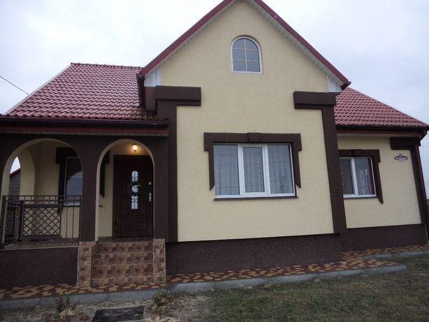 В зв'язку з переїздом продам новий будинок