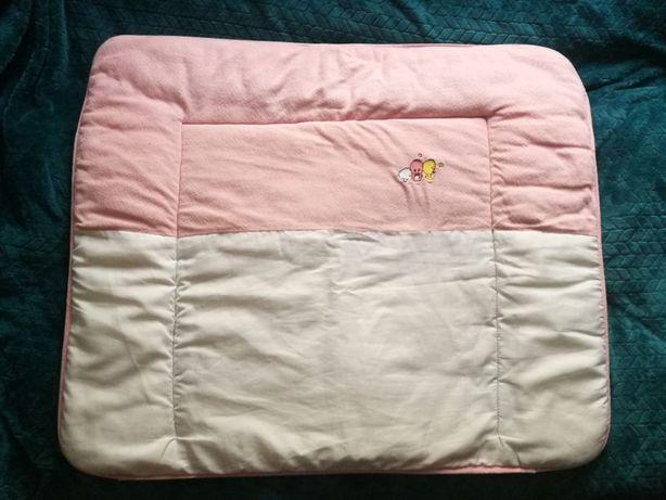 Używana mięciutka mata, przewijak dla niemowlaka + gratis mata