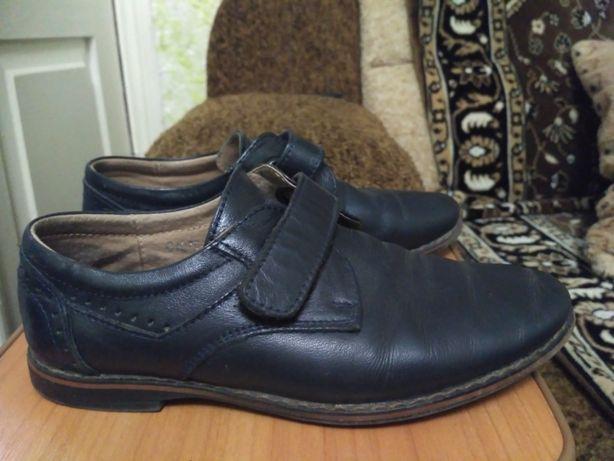 Кожаные туфли на мальчика 30 р.
