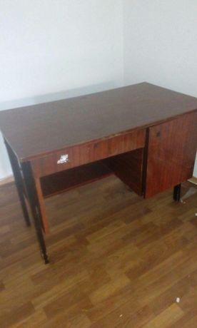 Стол офисный за 250 рублей