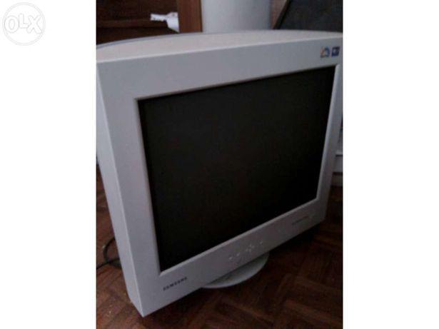 "Monitor crt - samsung syncmaster 1100mb - 21"""