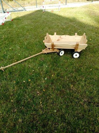 Drewniany niski wóz, wózek