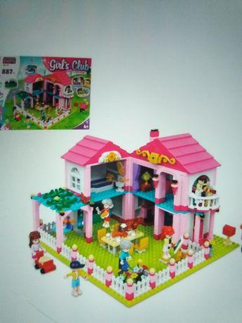Большой Конструктор Girls Club Уютный дом 887 дет Тип лего