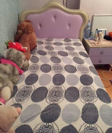 Łóżko dziecięce dla dziewczynki