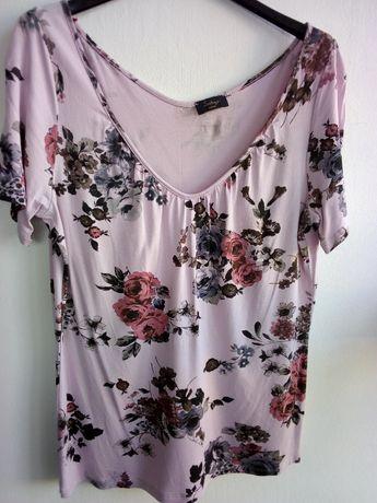 Blusa rosa com motivos florais - Tamanho L