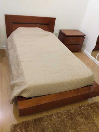 Mobília de solteiro
