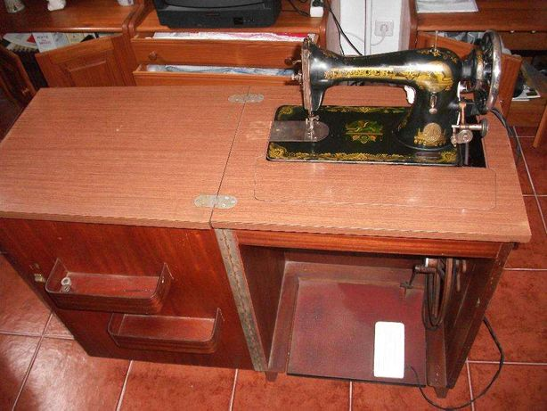 Maquina de costura SINGER original com motor