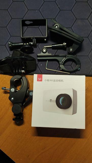 Экшен камера Xiaomi YI 4k  черная+ Аксессуары для вело