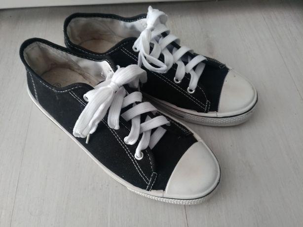 Buty tenisówki trampki czarne uniwersalne rozmiar 43
