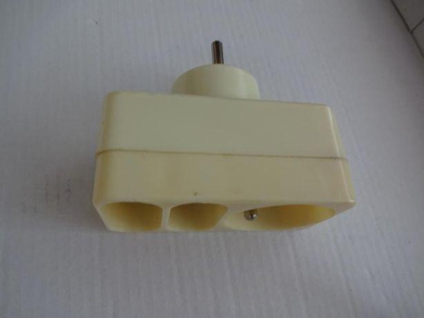 Gniazdo Elektryczne Potrójne - Kolor Śmietankowy
