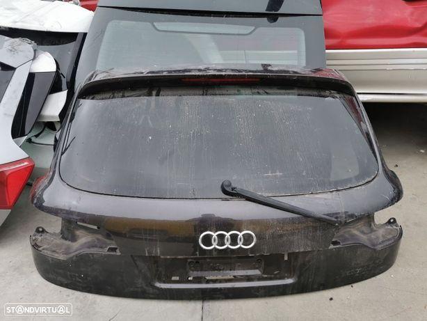Tampa da mala Audi Q7 do ano 2010