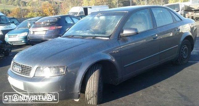 Audi A4 1.9 TDI de 2004 disponível para peças