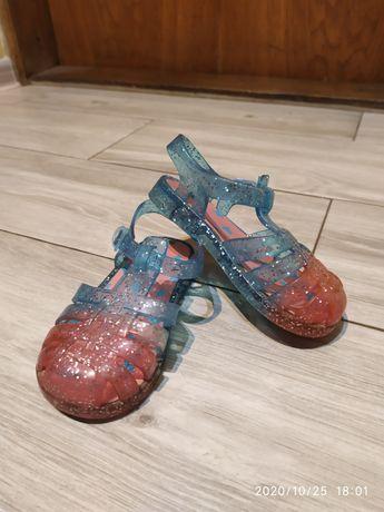 Sandałki gumowe, rozmiar 23