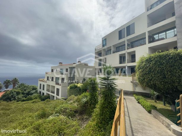 Apartamento T2 DUPLEX no Edifício Oceano c/ vistas Mar e Serra