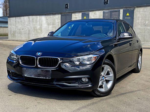 BMW 318i Official