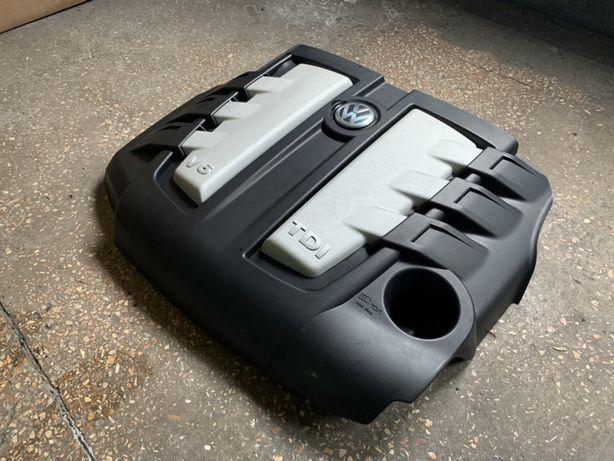 Крышка двигателя Volkswagen Touareg 2003-2009