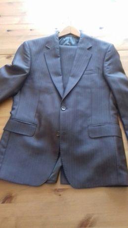 Wełniany garnitur męski