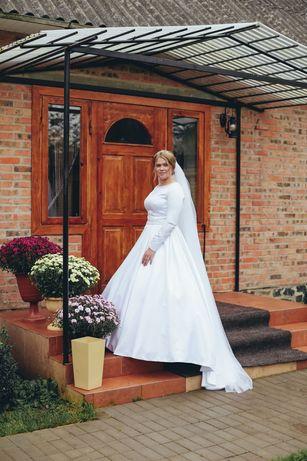 Класична весільна сукня