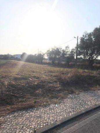 Terreno em zona calma no centro da Carapinheira, Montemor-o-Velho