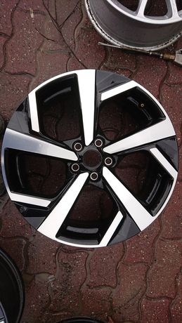 Felga aluminiowa 1szt pojedyncza Nissan 7x19 et 40 5x114,3 HV05B