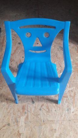 Sprzedam krzeselko plastikowe-okazja!