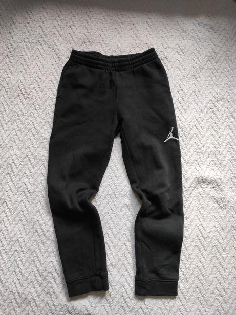 Spodnie dresowe Jordan. Rozmiar 140-152