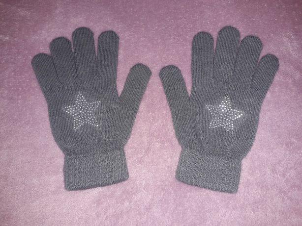 Перчатки для девочки на 10-12 лет