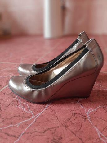 Зручні жіночі туфлі