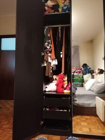 Armário ikea komplement preto porta em.espelho