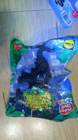 Zabawki z lidla słoń,  lemur, pieczątki tyranozaur, plezjozaur