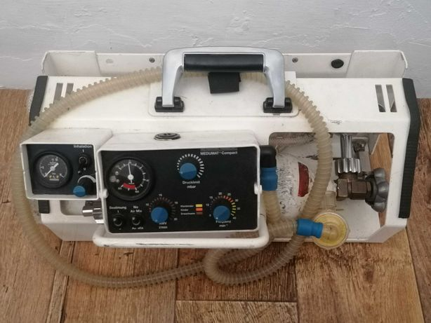 Respirator transportowy weinmamm Medumat z butlą ambulans karetka