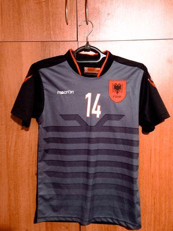 Футбольна футболка сборной Албании