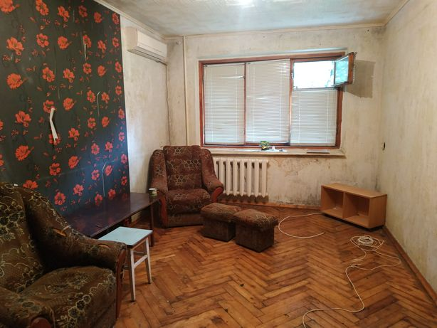 Продам 2 комнатная Левый б.Меотиды
