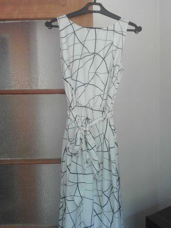 Sukienka maxi polskiej firmy FarFar