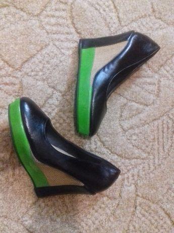 Новые туфли на 38-39