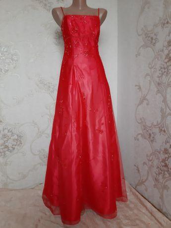 Шикарное вечернее платье-сетка расшитое бисером от Asos