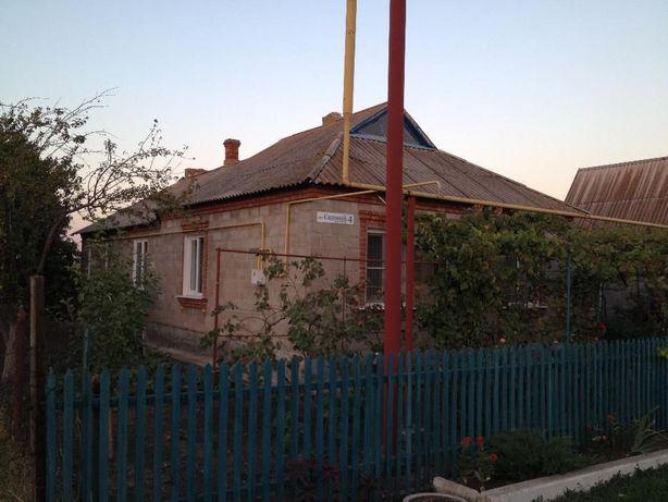 Продам дом в пгт. Ялта Мариуполь ( в Ялте Донецкая область)