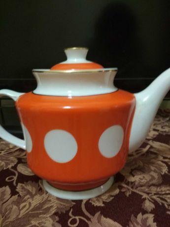 Чайник большой, доливной, 2 л, 250грн.