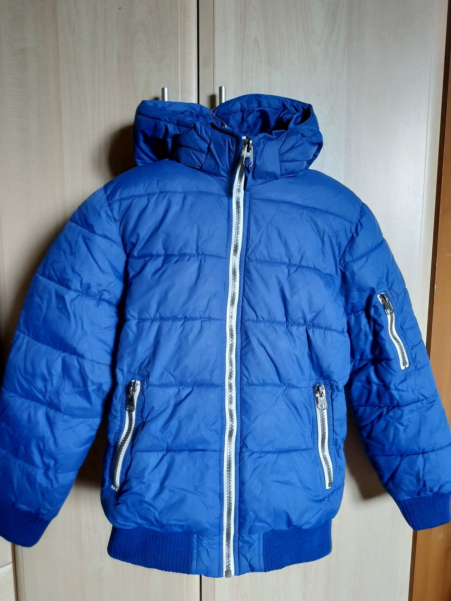 Стильная демисезонн куртка бренда HM L.O.G.G. На рост 146