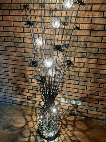 Продам НОВЫЙ шикарный напольный светильник