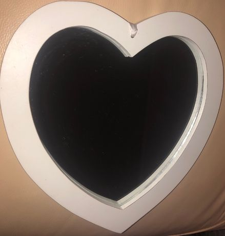Зеркало влюбленных в форме сердечка!