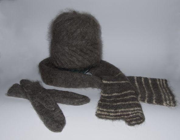 Вязаные шапочка, шарфик и рукавички из козьего пуха.