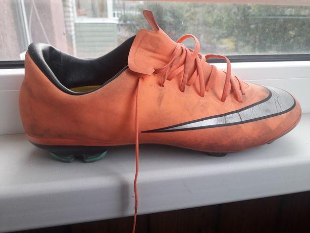 Бутсы футбольная обувь