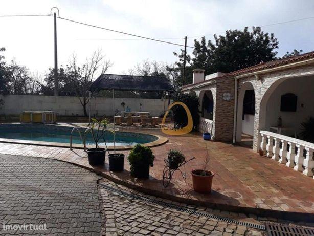 Moradia com 3 quartos + armazém em Vale Formoso, Almancil