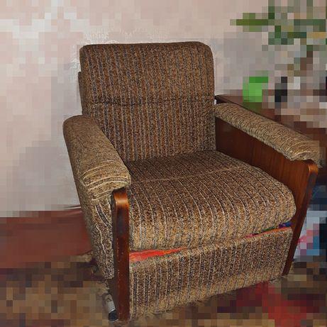 Кресло на колёсах