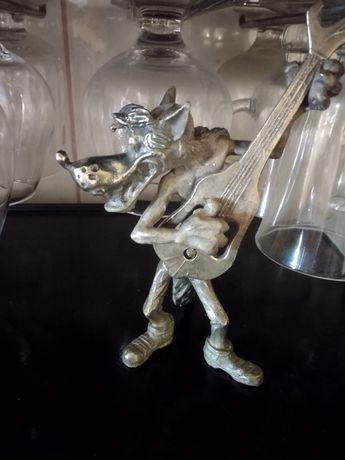 Волк с гитарой-открывашкой Ну погоди бронза статуетка